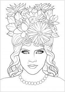 Femme elf avec chevelure fleurie