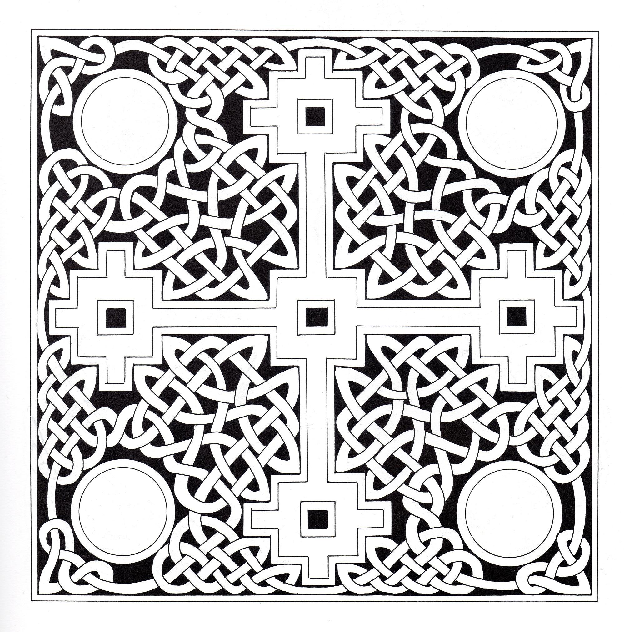 Art celtique : dessin carré composé d'une croix celtique et d'éléments entrelacés