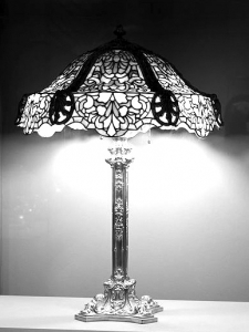 coloriage-adulte-lampe-tiffany free to print