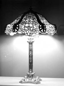 Art nouveau coloriages difficiles pour adultes justcolor - Coloriage lampe ...