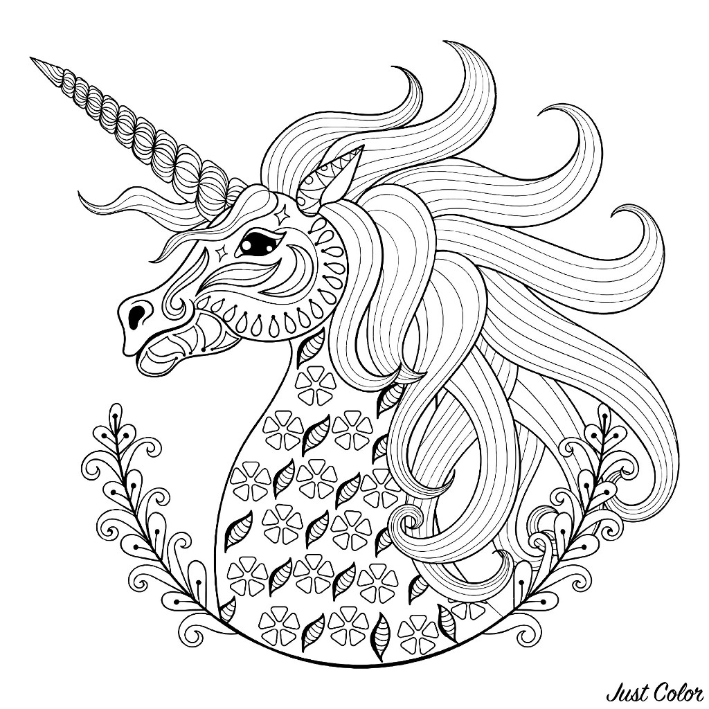 Tête de licorne : coloriage avec jolis motifs