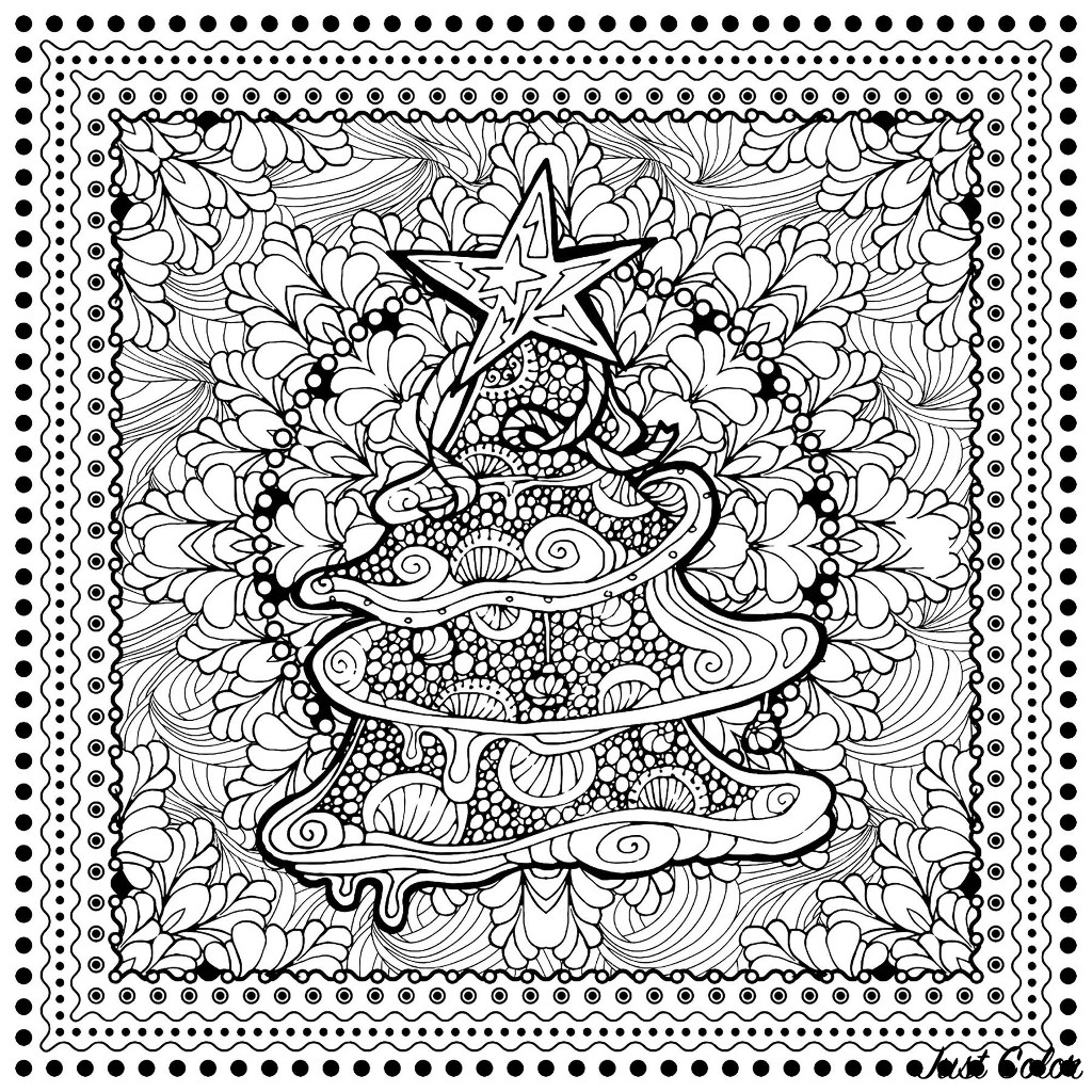 Arbre de Noël avec fond plein de motifs, au format carré