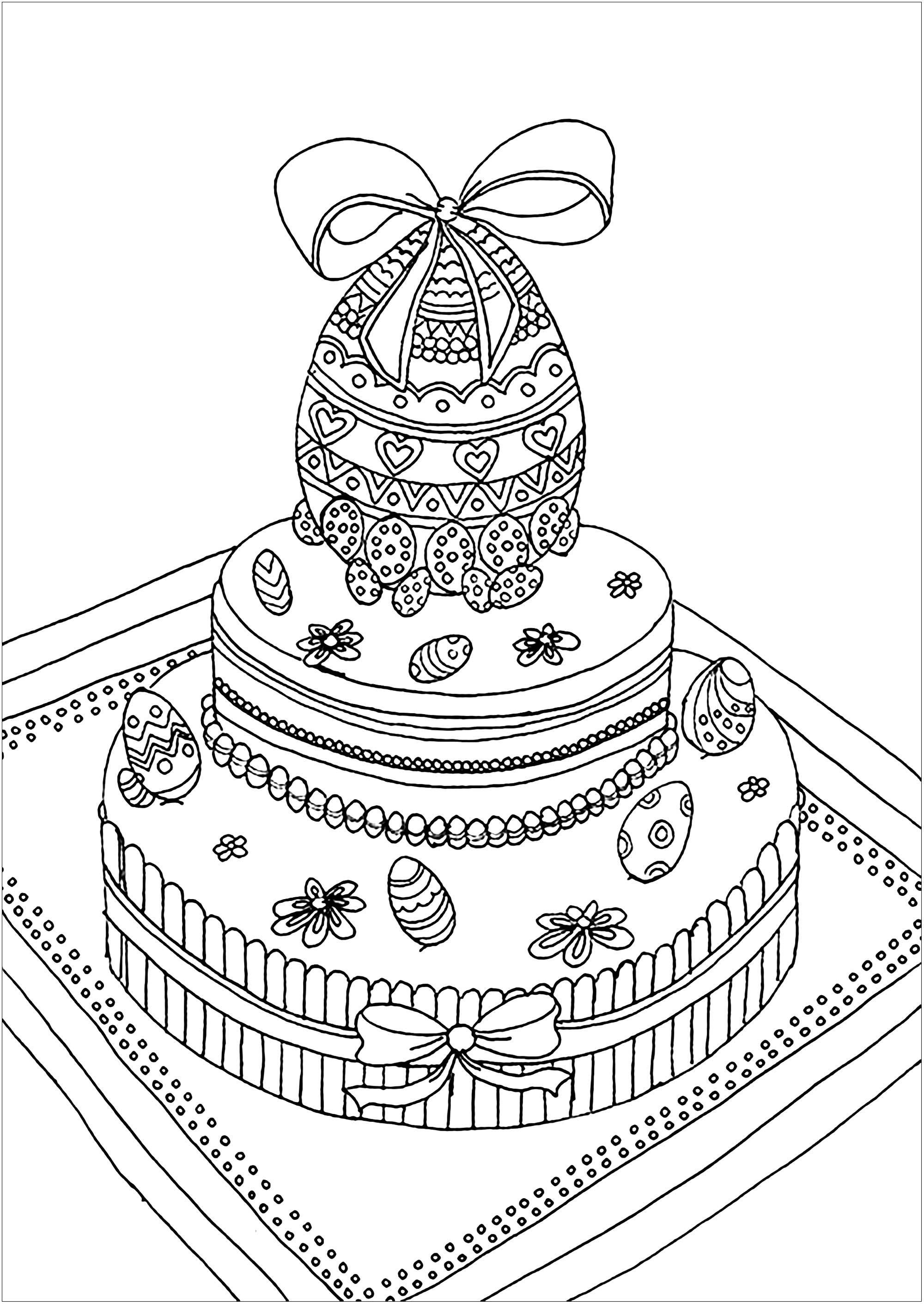 Oeuf de Pâques posé sur un gâteau semblant délicieux