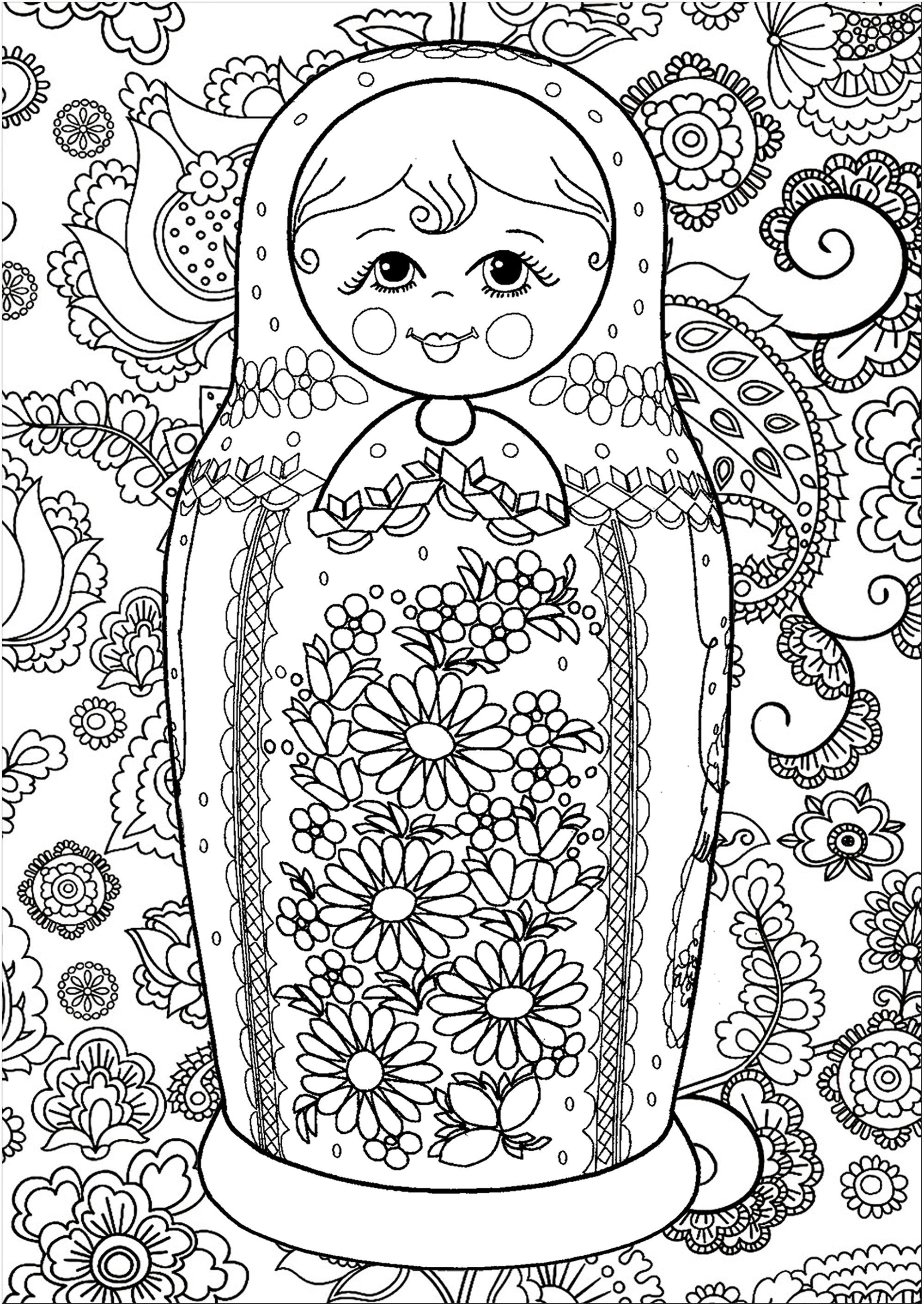 Une poupée russe originale avec éléments fleuris à l'intérieur et à l'extérieur