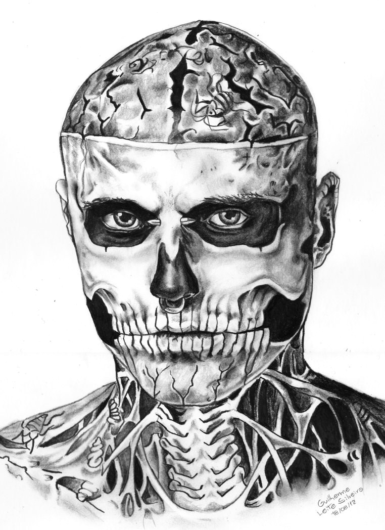 Portrait noir & blanc de Rick Genest, l'homme sur-tatoué